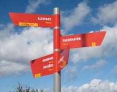 Beschriftung Signaletik Orientierungssystem für den Aussenbereich KONNI