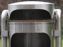 Ascher Abfallbehälter aus Edelstahl INOX-line für den Aussenbereich