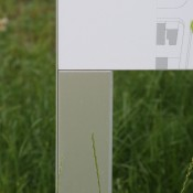 Stelen und Flachpylone für den Aussenbereich, Stele MAILAND80
