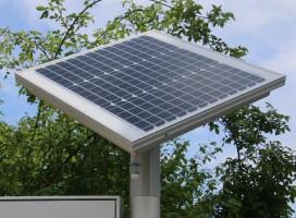 Schaukasten CITY-line mit Solar-Panel der LED-Beleuchtung